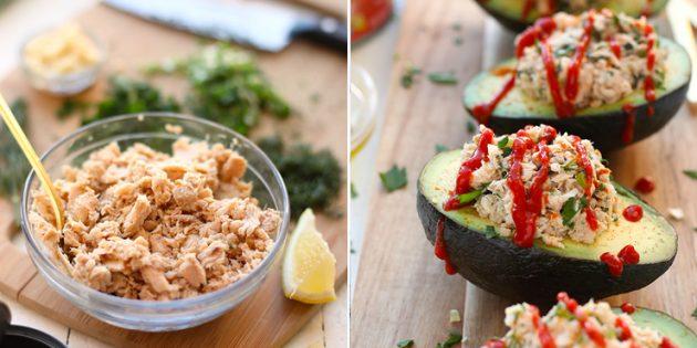 Что приготовить на завтрак: лодочки из авокадо с консервированной горбушей