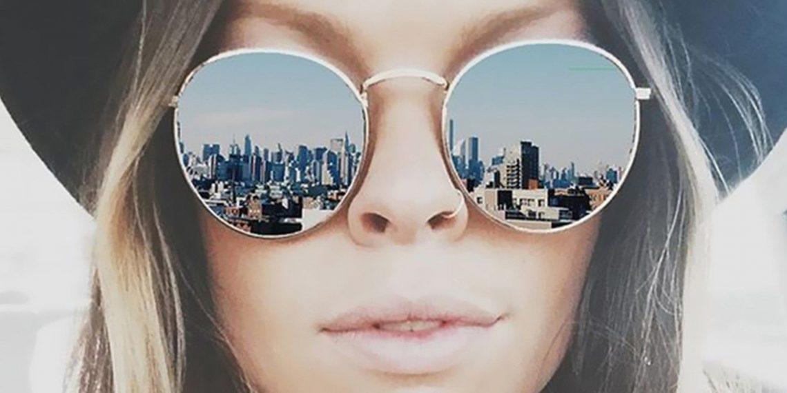 Модные женские очки 2018 года  13 самых горячих трендов - Лайфхакер ce777d8cae1