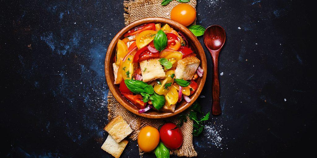 Салат из свежих овощей - просто и быстро: рецепт с фото и видео