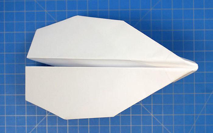 Как сделать самолёт из бумаги: 10 оригинальных способов