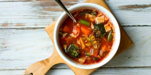 овощные супы: томатный суп с брокколи, капустой и стручковой фасолью