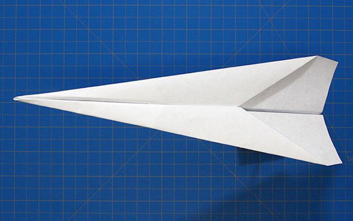 Как сделать самолёт из бумаги