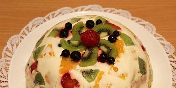Желейный торт «Битое стекло» с фруктами