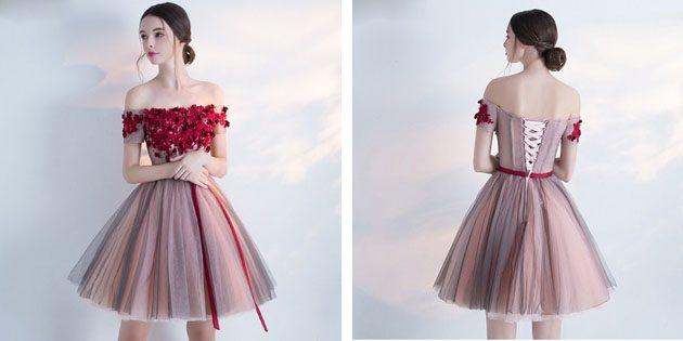 Платье с объёмными цветами на лифе