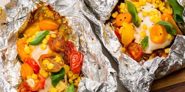 Рецепты на гриле: Куриные грудки с овощами в фольге