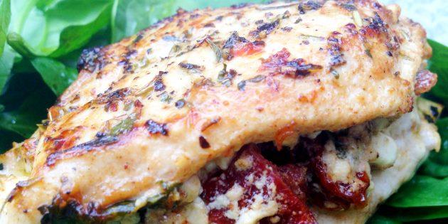 Лучшие рецепты с творогом: Куриные грудки, фаршированные творогом и вялеными томатами