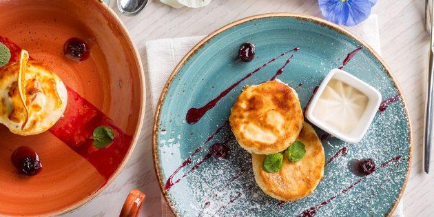 Рецепты с творогом: творожные сырники с начинкой из варёной сгущёнки