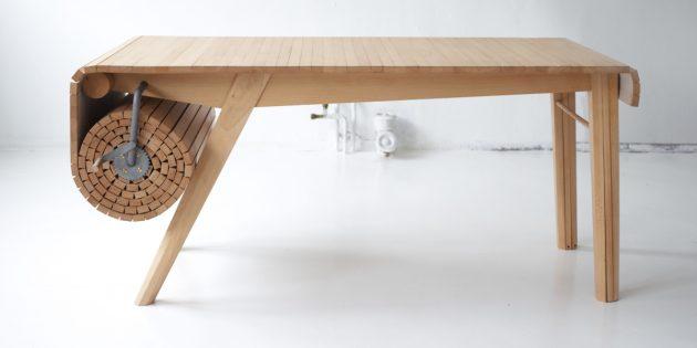 Большой обеденный стол. Специальный вал