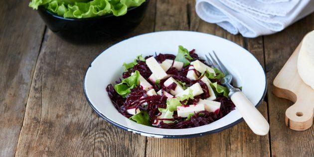 Греческий салат c мятой и запечённой свёклой