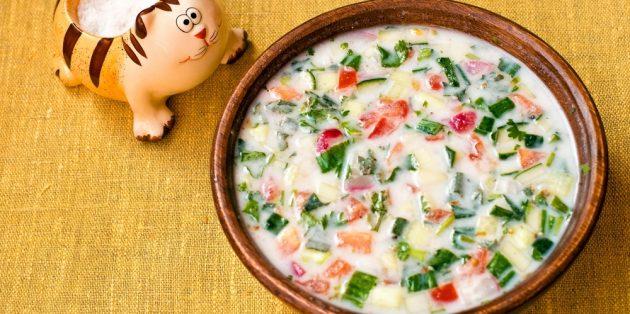 Рецепты окрошки: окрошка с копчёной рыбой