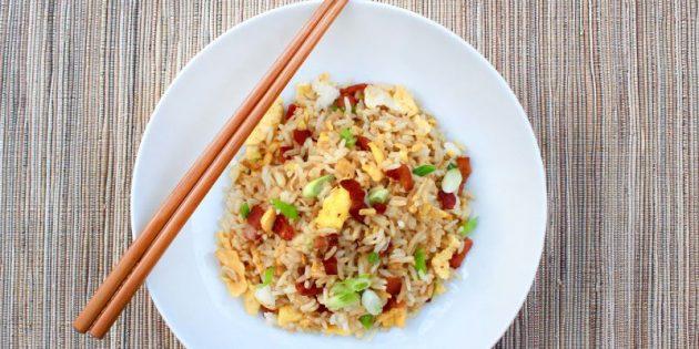 Как приготовить жареный рис с яйцом