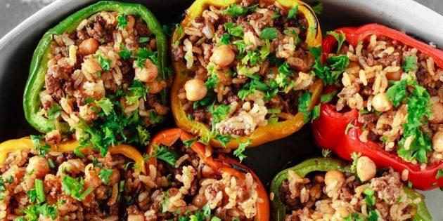 Рецепты с нутом: Фаршированные перцы с говядиной, нутом и рисом