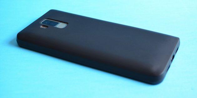 Bluboo S3. Смартфон в чехле