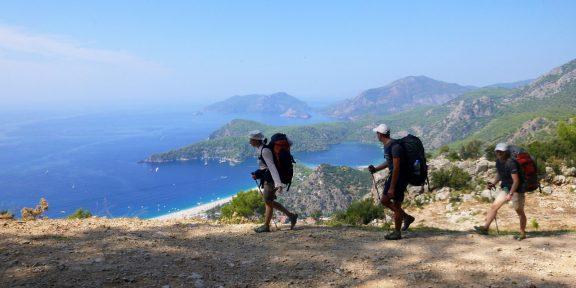 Как вести себя в походе: 9 правил туристического этикета