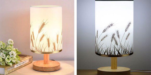 Лампа на деревянной подставке
