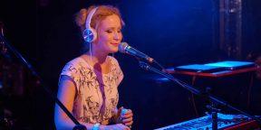 Что послушать у Монеточки — 20-летней певицы, о которой все говорят