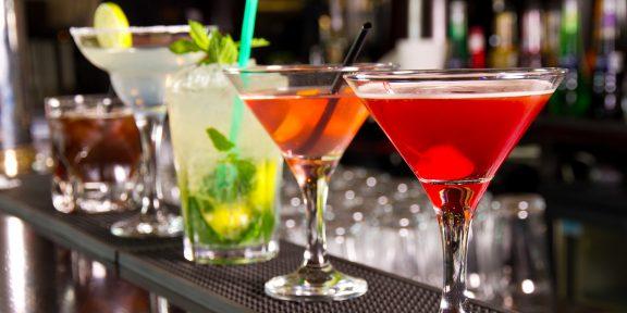 10 классических алкогольных коктейлей, которые не выходят из моды