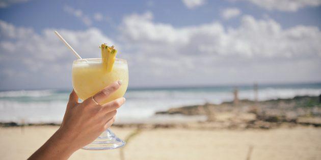 Классические алкогольные коктейли: Пина колада