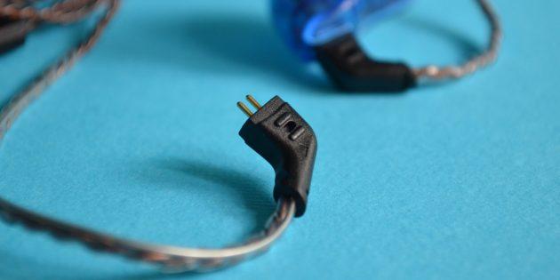 Качественные наушники: Крепление провода