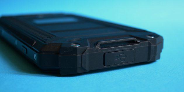 Защищенный смартфон Poptel P9000 Max: Нижняя грань