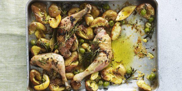 Молодая картошка, запечённая с курицей, лимоном и оливками
