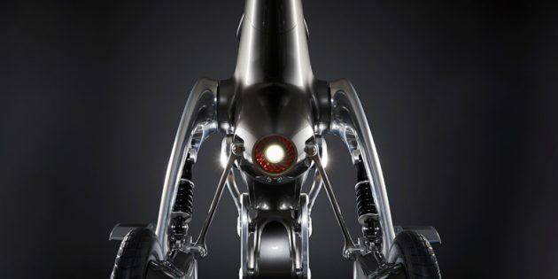 Новый робот: мощный фонарь