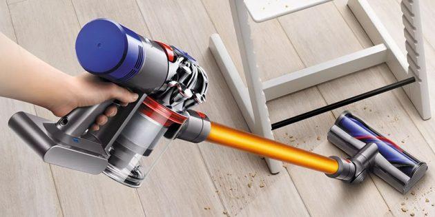 Как выбрать пылесос: Вертикальный пылесос с мотором и пылесборником в области рукоятки