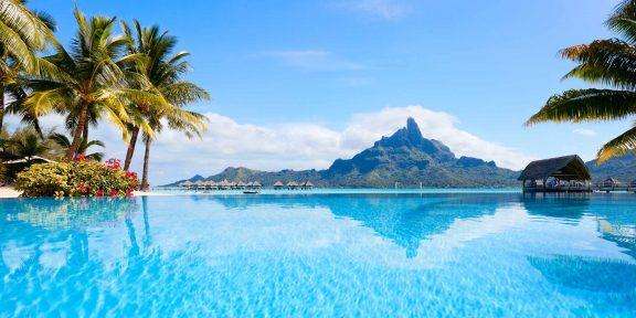 Куда поехать в августе: 10 мест для самого разного отдыха