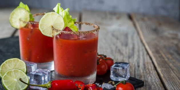 как приготовить коктейль Кровавая Мэри