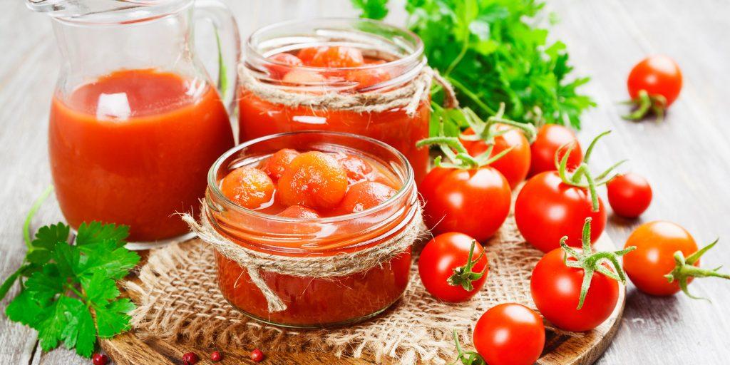 Маринованные помидоры с укропом и чесноком