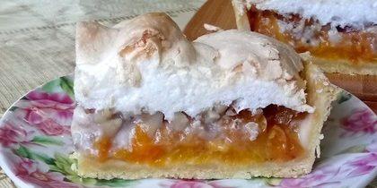 Пирог с абрикосами: Пирог с абрикосами и воздушным безе