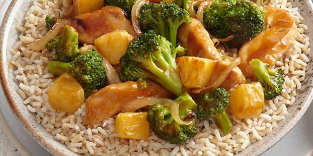 Быстрые и вкусные блюда: Куриное филе с ананасом, цветной капустой и брокколи