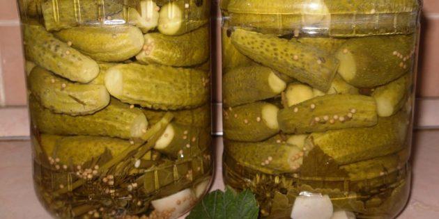 Маринованные огурцы с горчицей и хреном