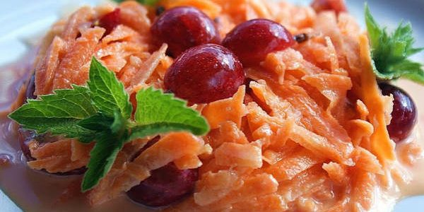 Что приготовить из крыжовника: Сладкий салат с крыжовником и морковью