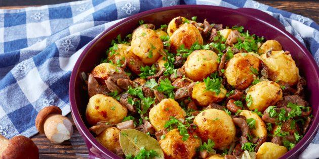 7 классных способов приготовить картошку с грибами на сковороде и в духовке