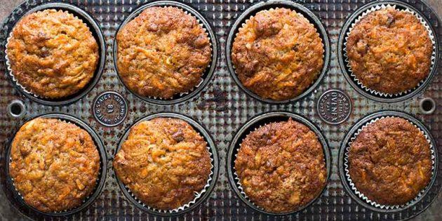 Морковно-яблочные кексы с орехами