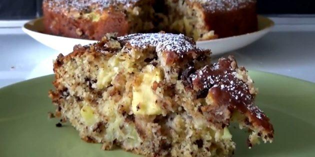 Пирог с яблоками, рикоттой и шоколадом