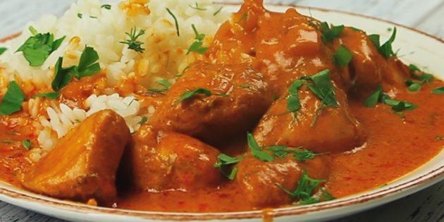 Курица в сливочно-томатном соусе