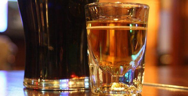 алкогольные коктейли: «Бойлерщик»