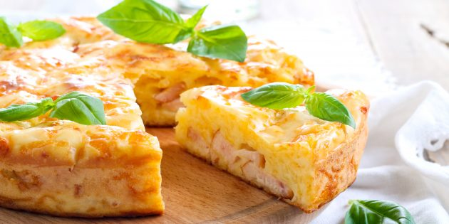 Заливной пирог с ветчиной и сыром: простой рецепт