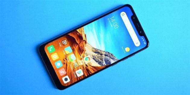 обзор Xiaomi Pocophone F1: Лицевая сторона