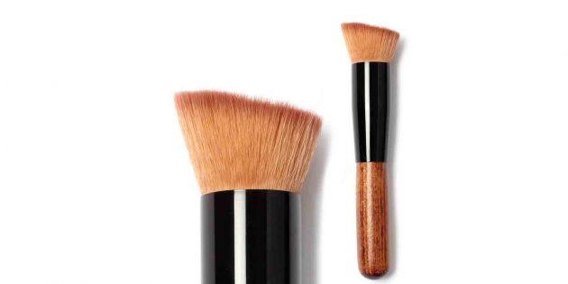 Скошенная кисть для макияжа