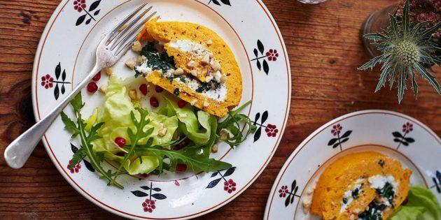 Блюда из тыквы: Тыквенный рулет с сыром и шпинатом