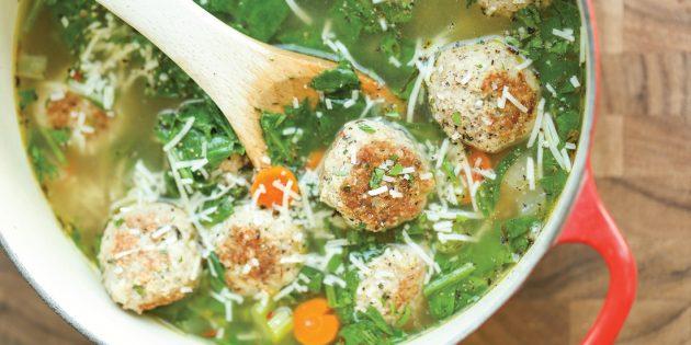 Что приготовить из фарша: Овощной суп со шпинатом и фрикадельками