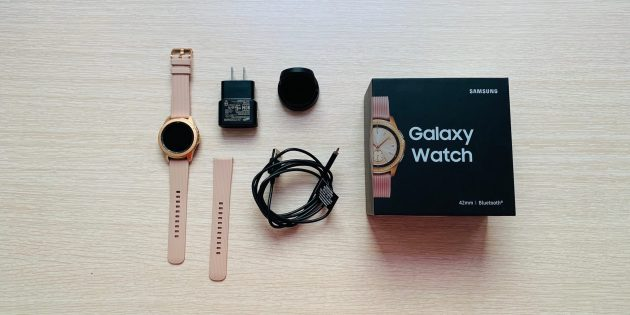 Обзор Galaxy Watch: Комплектация
