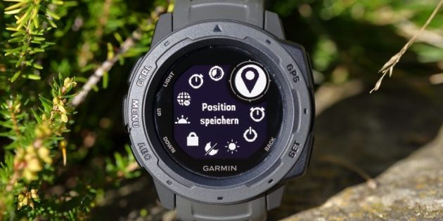 часы Garmin Instinct: экран