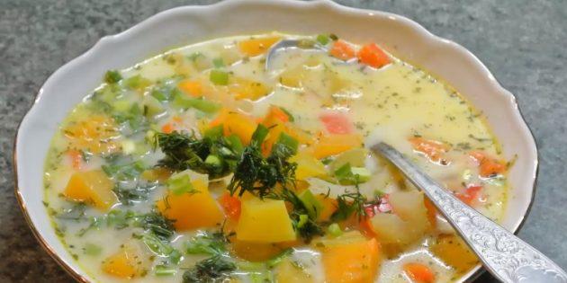 Овощной суп с тыквой и сливками