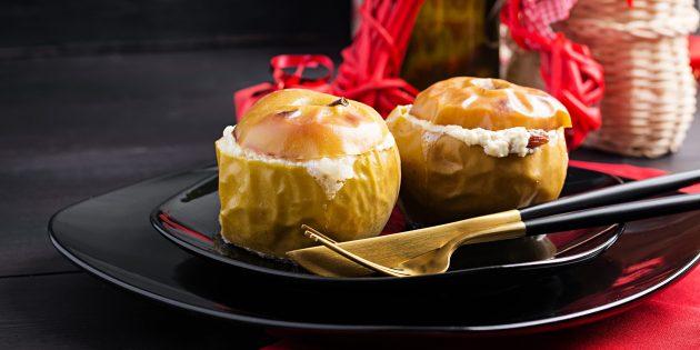 Запечённые яблоки с творогом и мёдом в духовке