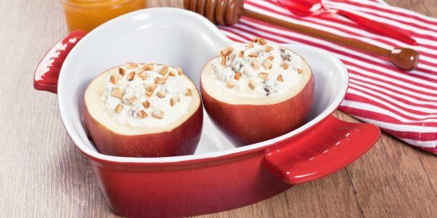 Запечённые яблоки со сливочным сыром в духовке