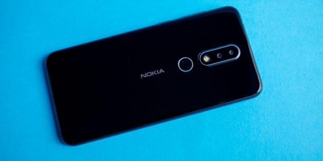 Обзор Nokia 6.1 Plus: Задняя крышка